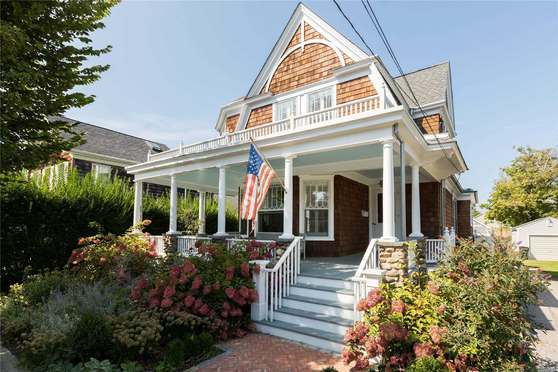 Residencial en venta en 152 Central Avenue, Greenport, NY ,11944  , EE.UU.