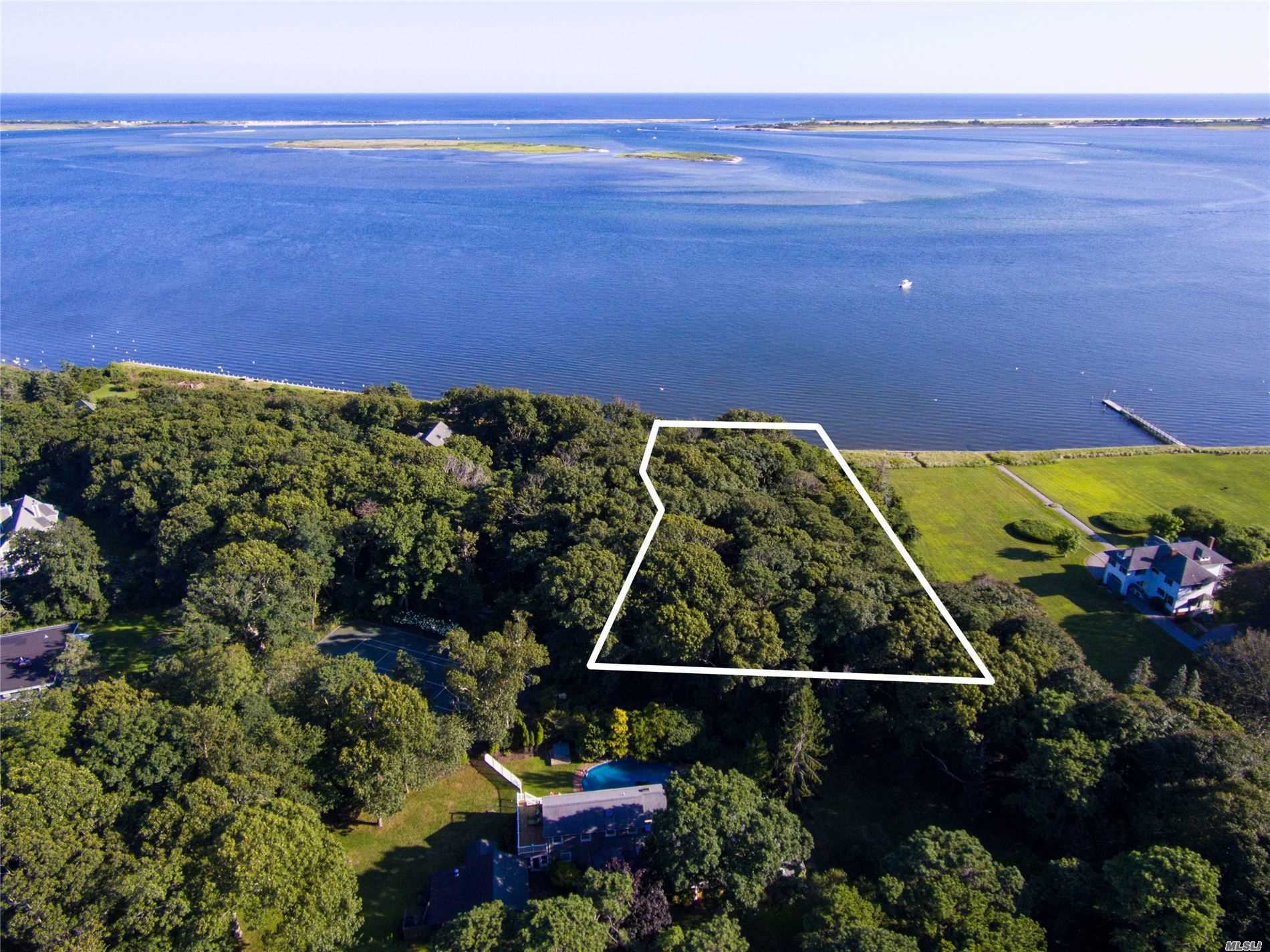 Terreno a la venta en Vac Land Tuthill Point Road, East Moriches, NY ,11940  , EE.UU.