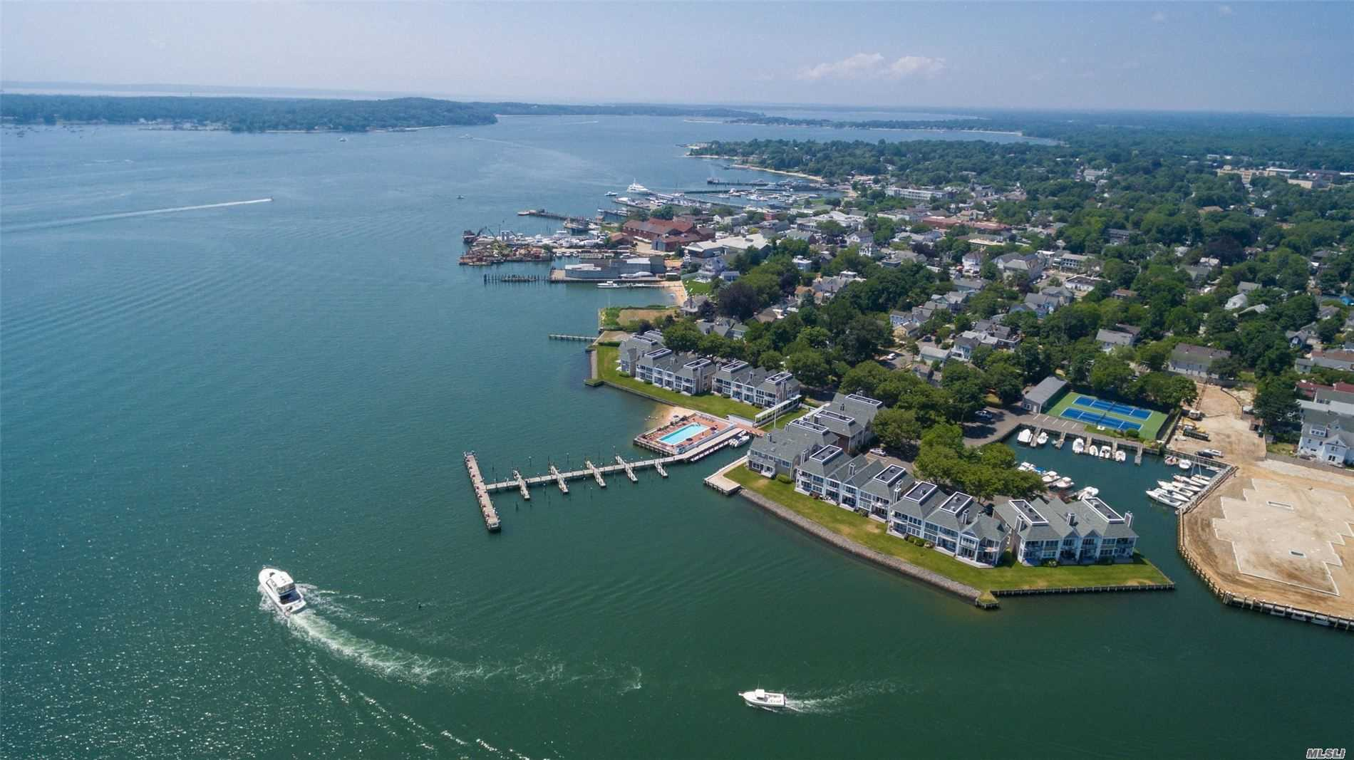 Apartamento En venta en 21 Stirling Cove, Greenport, NY ,11944  , EE.UU.