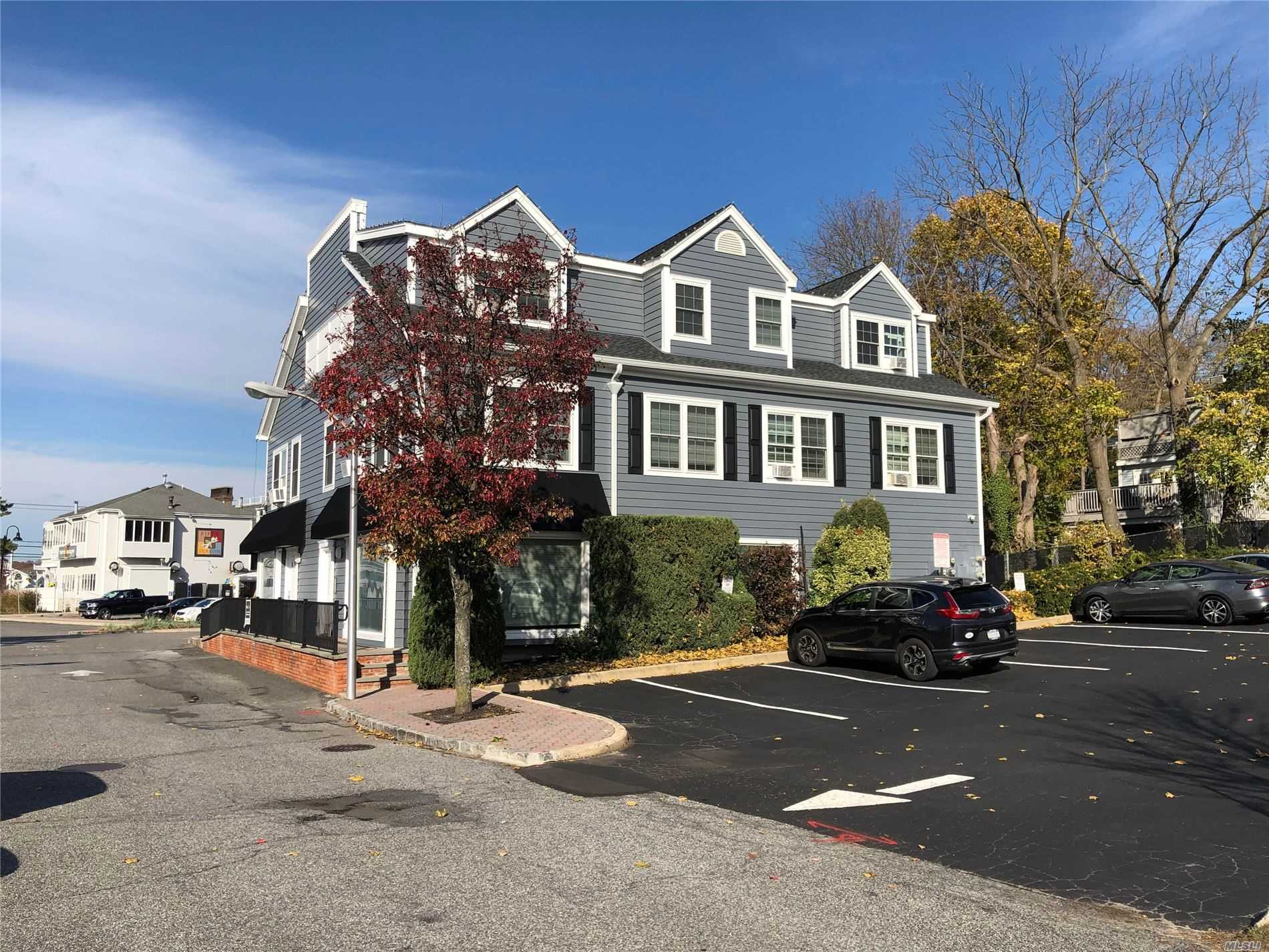Comercial en alquiler en 100 Mariner's Way, Port Jefferson, NY ,11777  , EE.UU.
