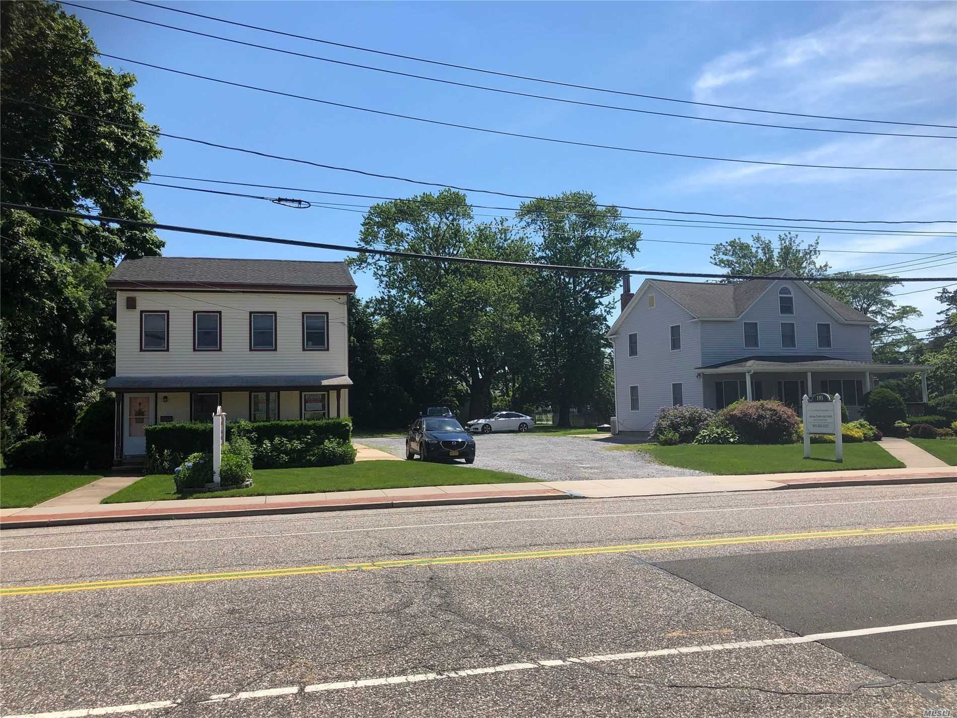 Residencial en venta en 195/199 Blue Point Avenue, Blue Point, NY ,11715  , EE.UU.