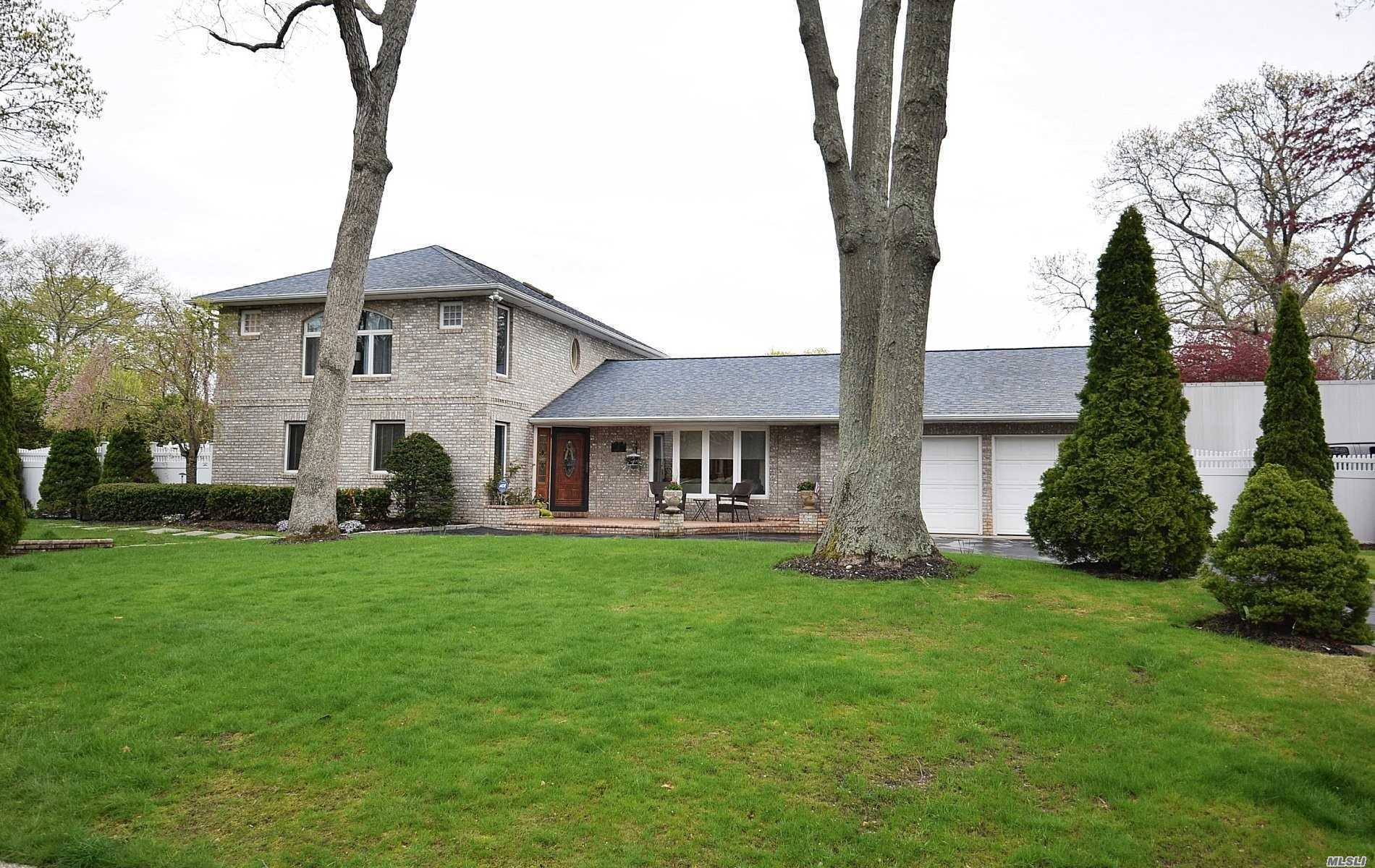 Residencial en venta en 19 Pinetree Lane, Great River, NY ,11739  , EE.UU.