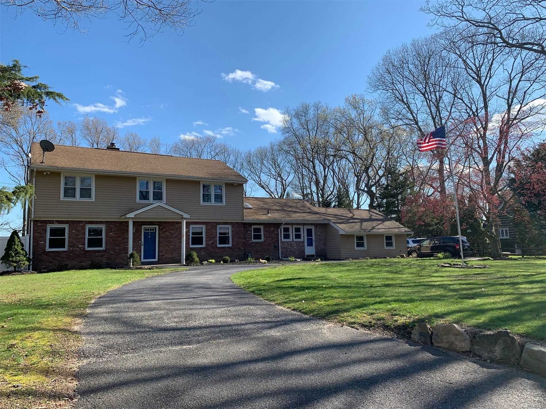 Residencial en venta en 35 Old Northport Road, Kings Park, NY ,11754  , EE.UU.