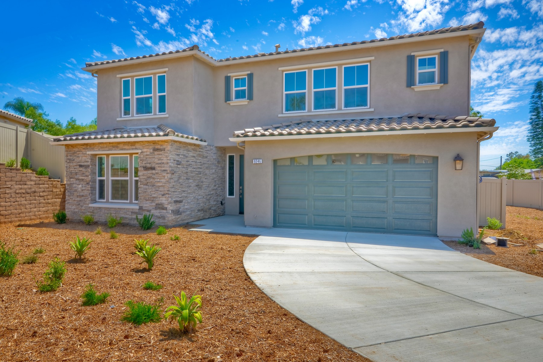 Vivienda unifamiliar En venta en 9246 Helix Mesa Way, Spring Valley, California ,91977  , EE.UU.